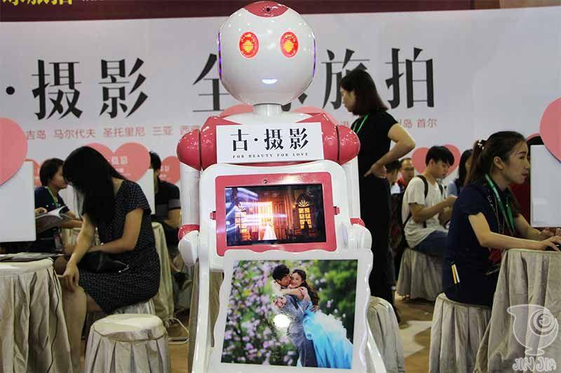 机器人与摄影的结合——今甲机器人助力古摄影