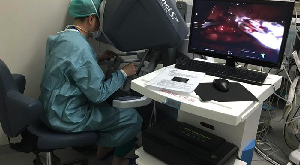 """机器人也能做手术""""补心""""?广州这个尝试了不起"""